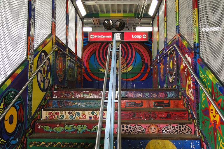 Public art at the 18th Pink Line station, courtesy of Wikimedia Commons