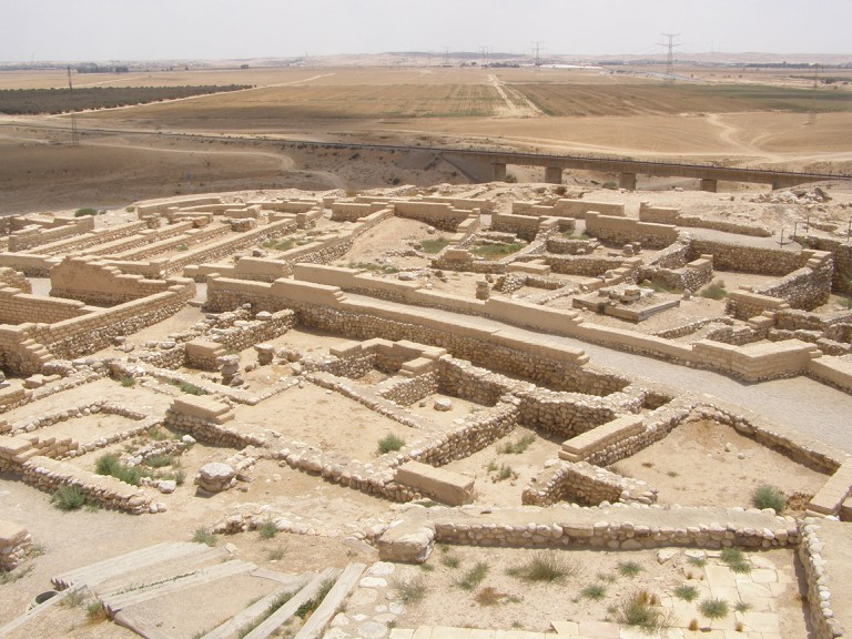 The historic ruins of Tel Be'er Sheva | © commons.wikimedia.org