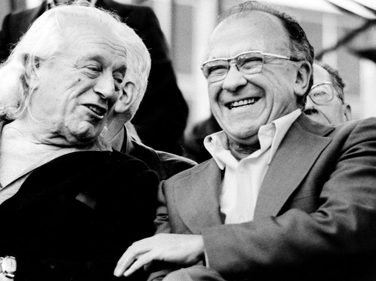 Rafael Alberti (left) and Santiago Carillo | © Nemo