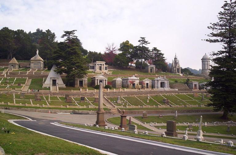 Mountain View Cemetery © Hank chapot/Wikipedia