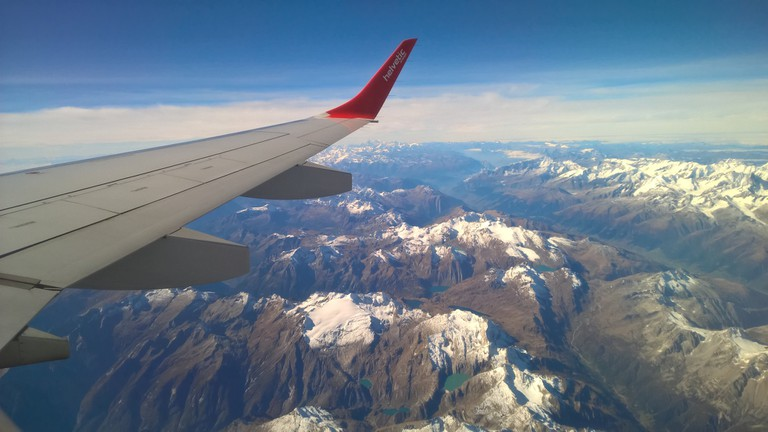 View from airplane © Andrea Vincenzo Abbondanza/Unsplash