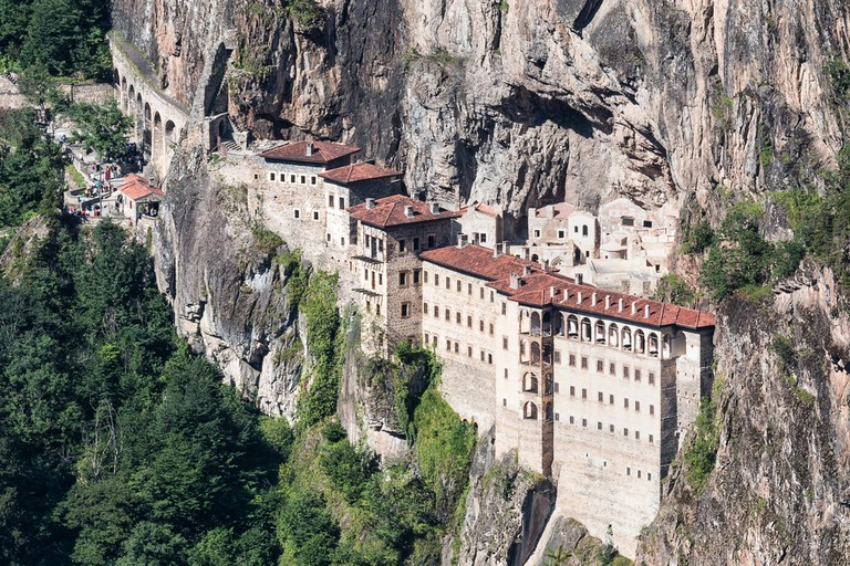 Held by the mountain Sumela Monastery © Mehmet Cetin / Shutterstock