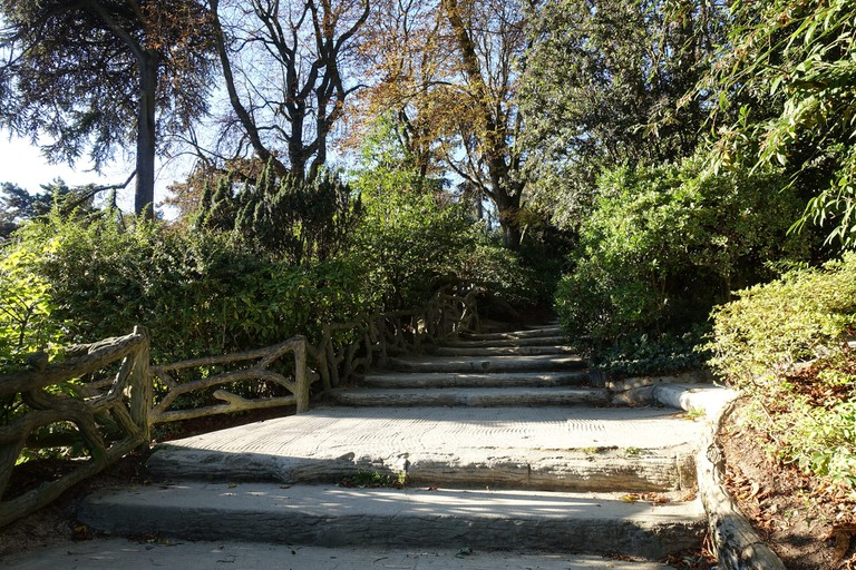 Stairs in the Parc Montsouris │© Guilhem Vellut