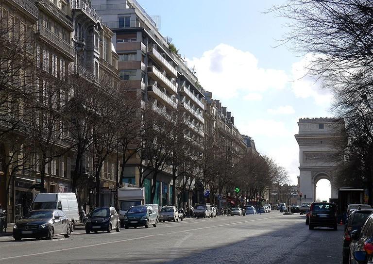 View of the Arc de Triomphe from Avenue de Wagram │© Mbzt