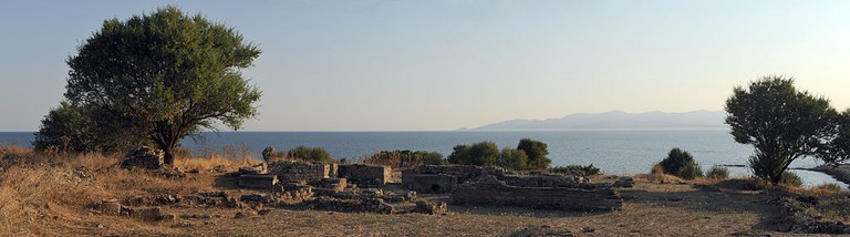 Polystylon, in the ancient ruins of Abdera, near Xanthi, in Thrace, Greece | © Ggia/WikiCommons