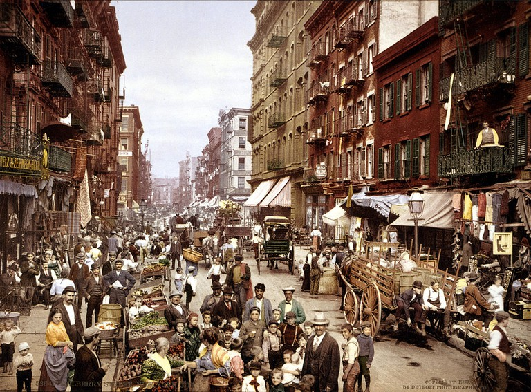 Mulberry Street, on the Lower East Side, circa 1900 | Public Domain/WikiCommons