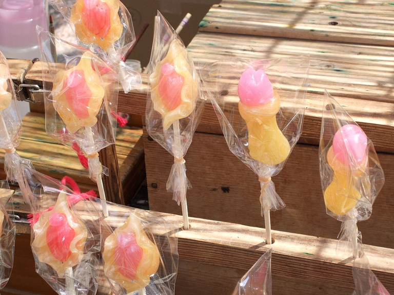 Penis and vagina-shaped lollipops for the Kanayama Festival   © Stealth3327/WikiCommons