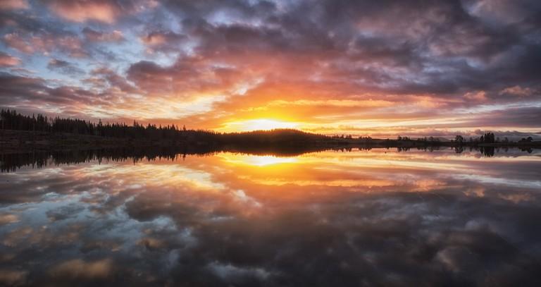 Breaking Dawn Over Loch Rusky | © john mcsporran/Flickr