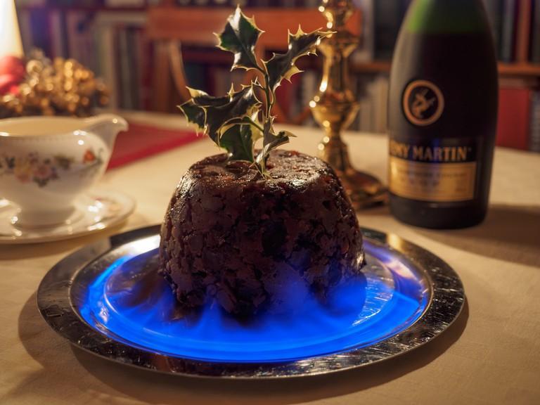 Flaming Christmas pudding | © James Petts/Flickr