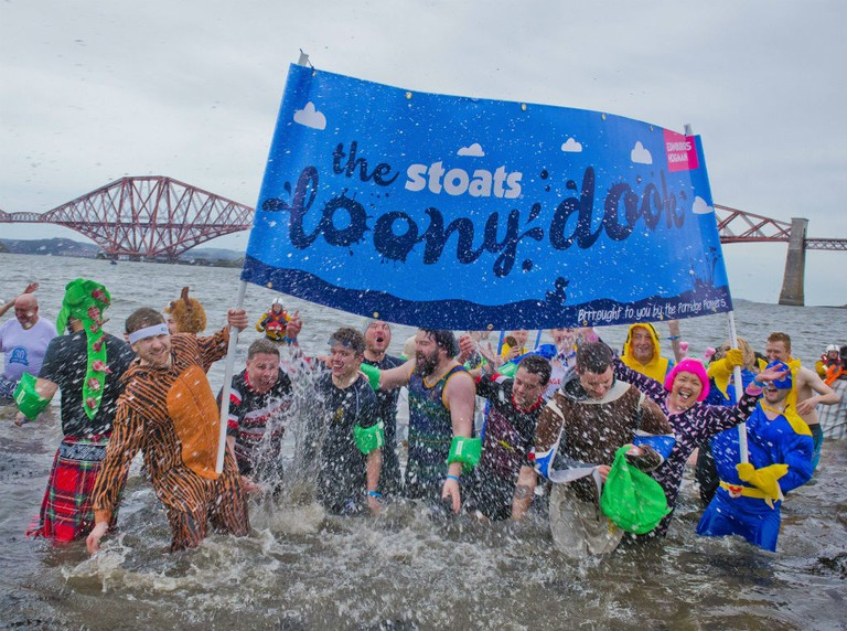 Stoats Loony Dook | © Chris Watt/Flickr