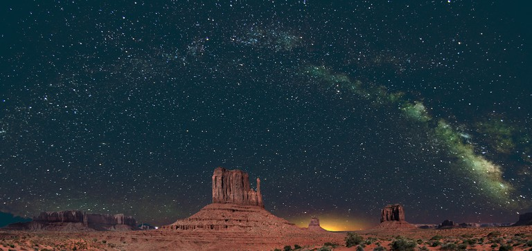 Monument Valley Panorama | © John Fowler/Flickr