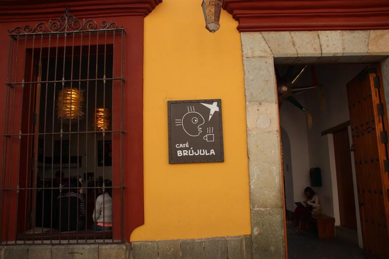 Café Brújula   © Bex Walton/Flickr