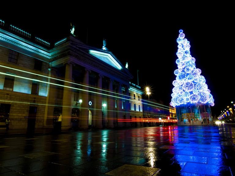 Christmas lights outside the GPO, Dublin | © Sebastian Dooris/Flickr