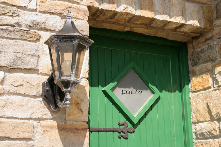 Fáilte (welcome) sign | © Grace Smith/Flickr