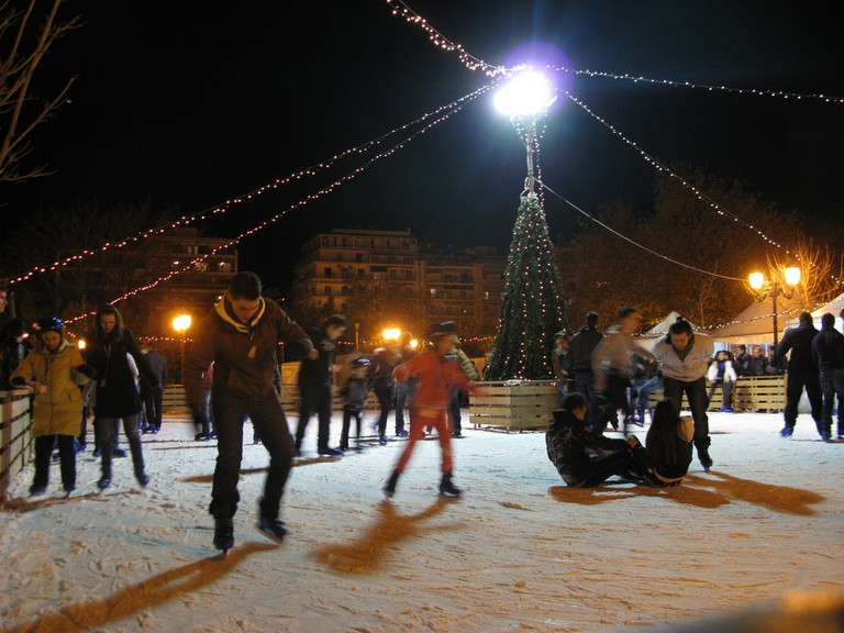 Open ice ring at Aristotelous Square, Thessaloniki, Greece | © Tilemahos Efthimiadis/Flickr