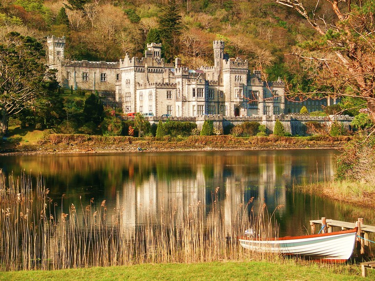Spring at Kylemore Abbey  © Liam MoloneyFlickr