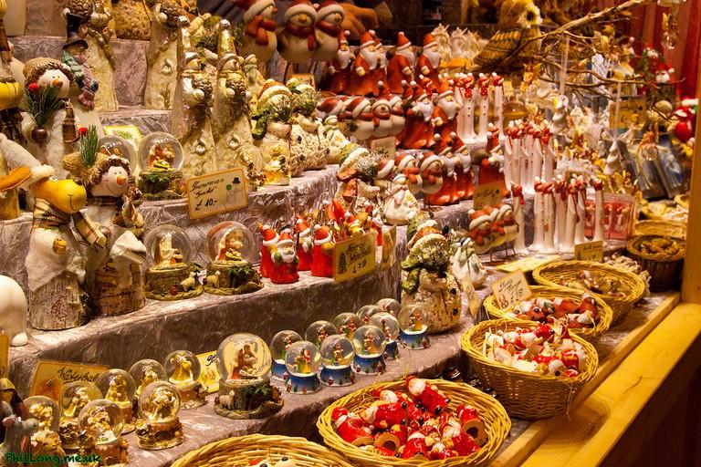 Christmas market © Phil Long/Flickr