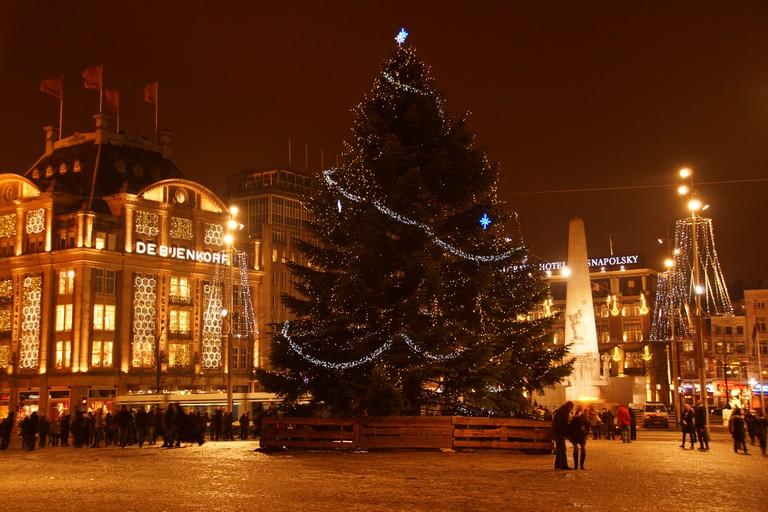 The Christmas tree at Dam Square | © Floris Looijesteijn / Flickr