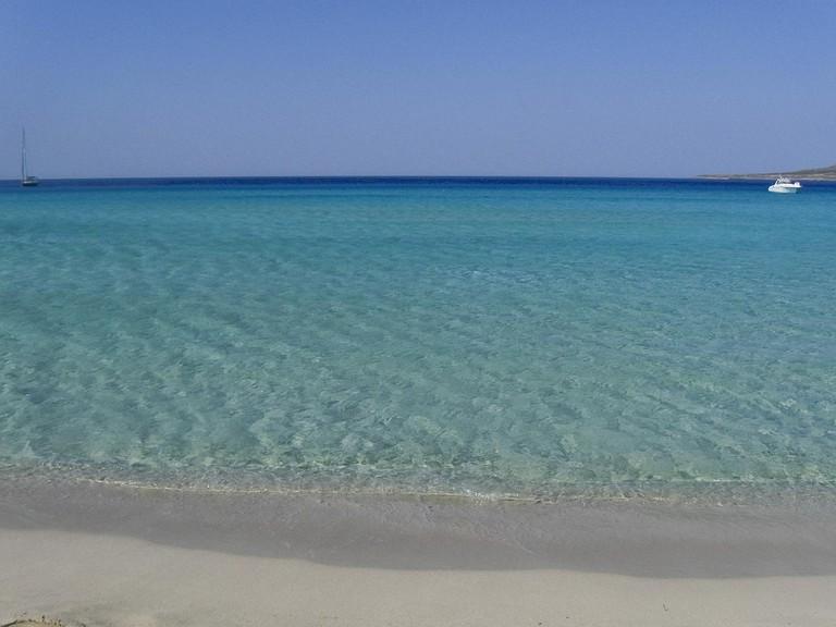 Beach in Elafonissos |© Franco Pecchio/Flickr