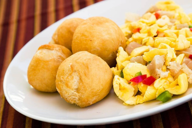 Ackee and saltfish with fried dumplings | © Ziggy's Manor Centre