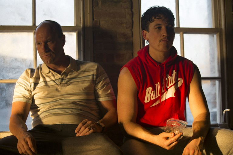 Aaron Eckhart and Miles Teller in 'Bleed For This' | © Icon Films