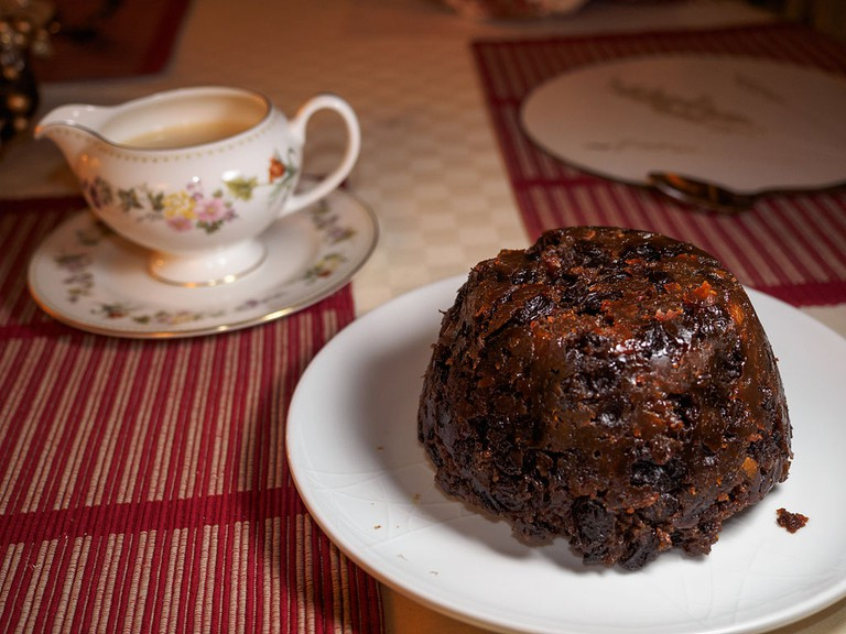 Christmas pudding (11927643275) © James Petts/WikimediaCommons