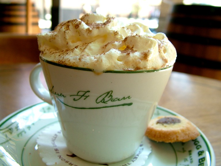 A coffee with slagroom   © Lotus Head / WikiCommons