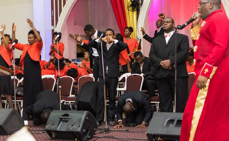 Mass choir, Emmanuel Apostolic Church | © Tekmepikcha