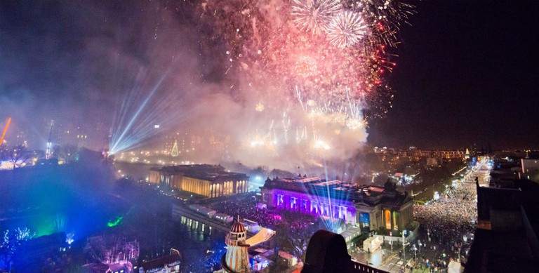 Midnight Fireworks | © Chris Watt / Courtesy Of Edinburgh's Hogmanay