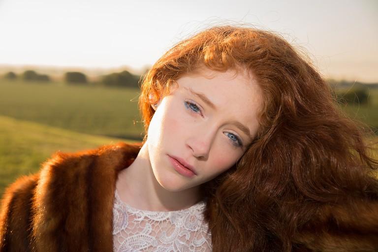 Red haired girl | © karenwarfel/Pixabay