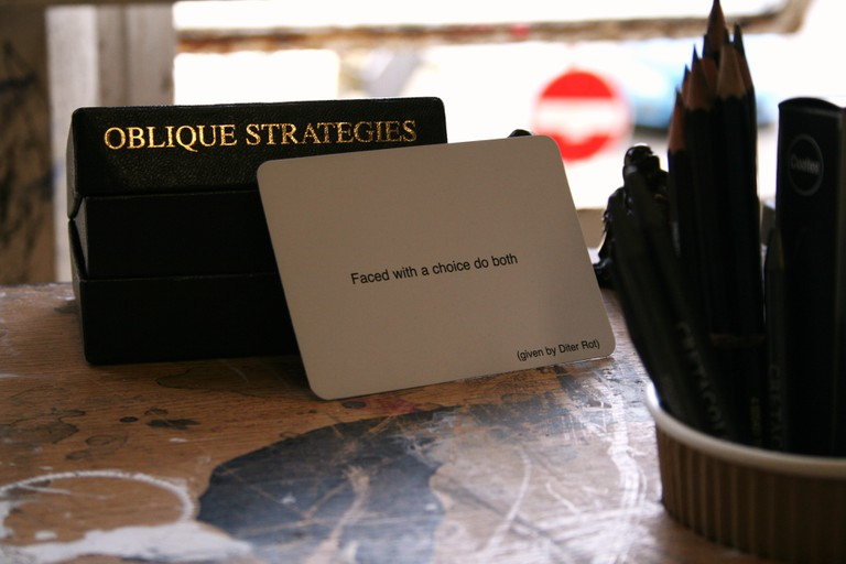 Oblique Strategies   © Improvisation-Sound-Drawing