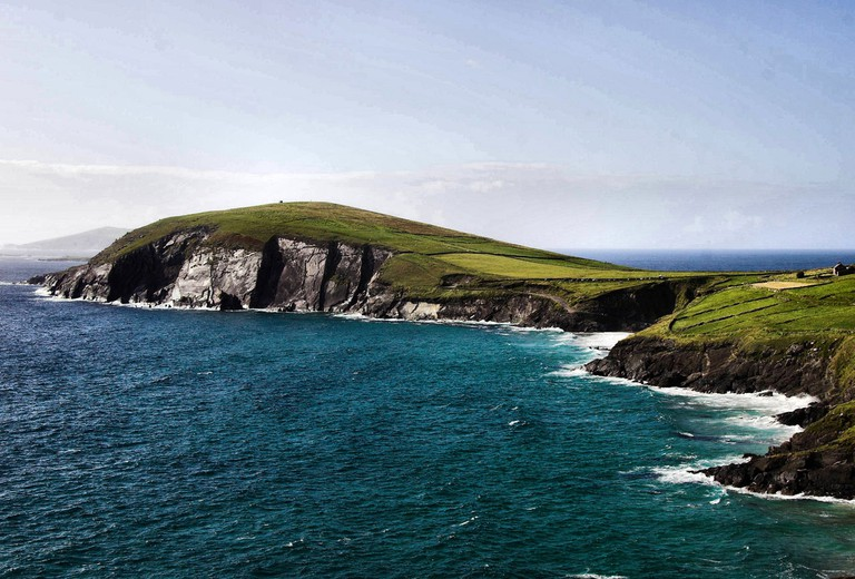 Coastline of the Dingle peninsula | ©Brian Henry/Public Domain Pictures