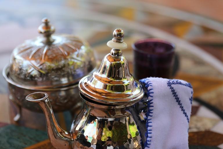 Tea service | @beejees/Pixabay