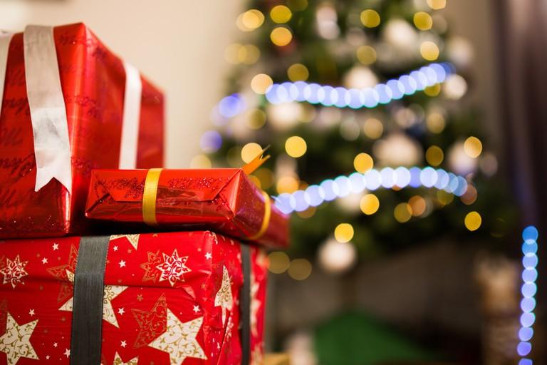 Presents   © Luis Llerena/StockSnap
