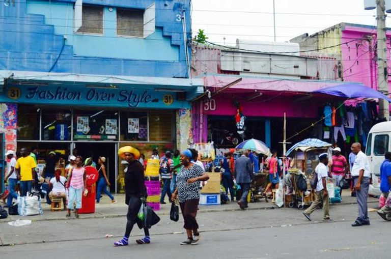 Shoppers downtown Kingston | © Caribbean Cables