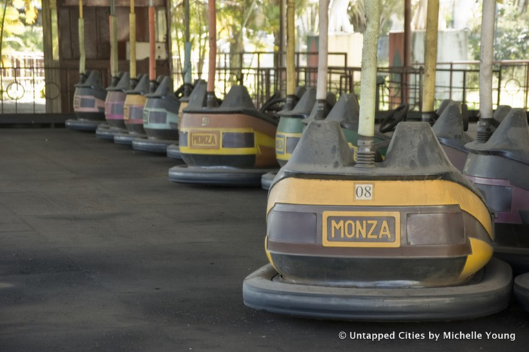 Abandoned rides |© Michelle Young/Untapped Cities