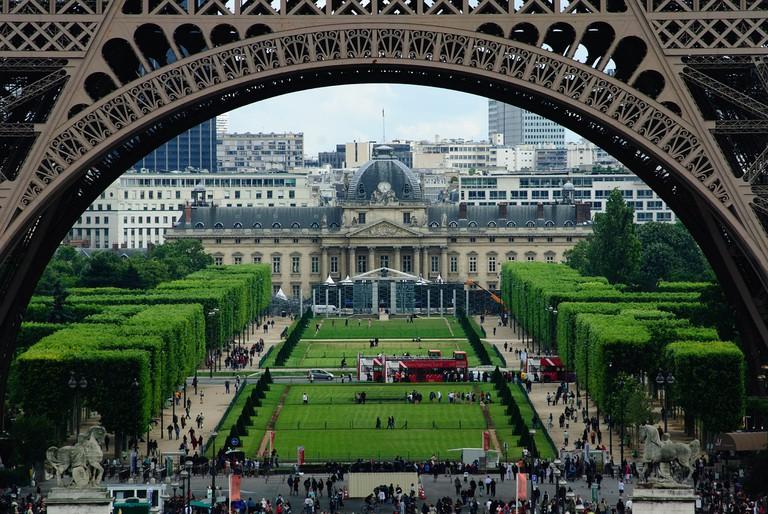 View of the Champ de Mars through the Eiffel Tower │© bogitw