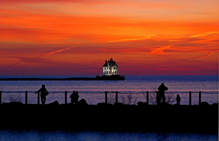 Lorain lighthouse fans | © Rona Proudfoot/Flickr