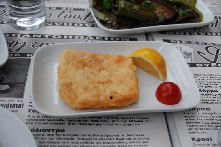 Fried Cheese (Saganaki) | © George Groutas/Flickr