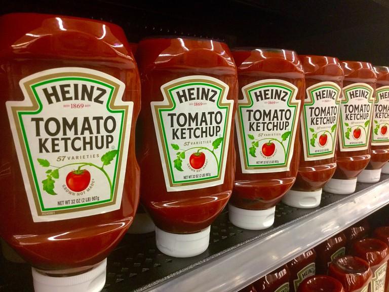 Tomato ketchup bottles │© Mike Mozart