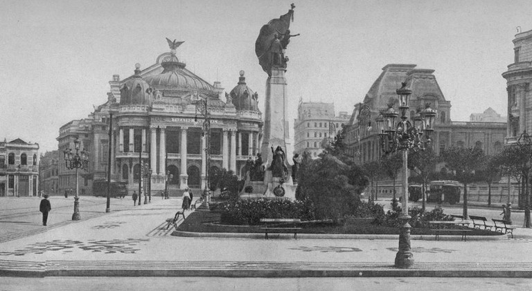 Cinelândia square in 1919 |© Harriet Chalmers Adams /WikiCommons