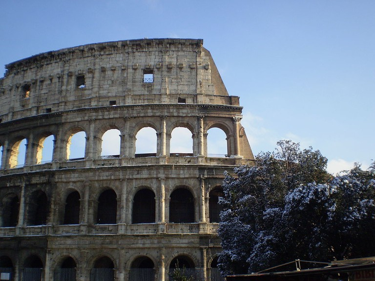 Snow at the Colosseum | © barbaking/wikimedia