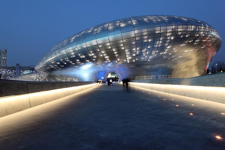 Dongdaemun Design Plaza | © Nestor Lacle / Flickr