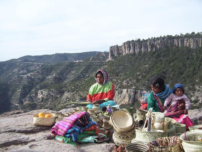 Tarahumara women | © Lance Fisher/Flickr