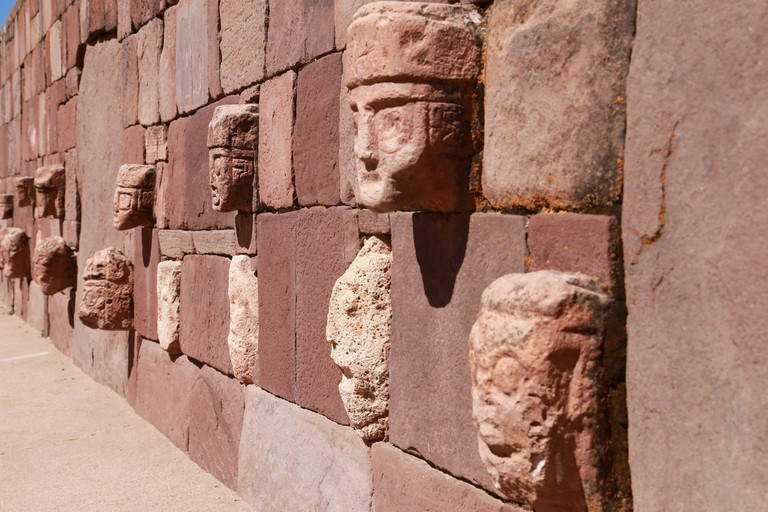 Tiwanaku carvings
