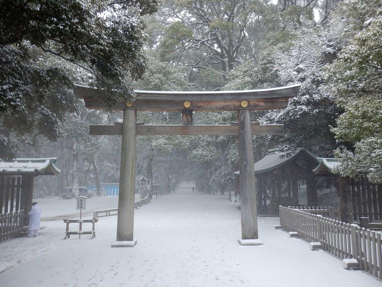 Meiji Shrine ground in the snow | © Izu navi/Flickr