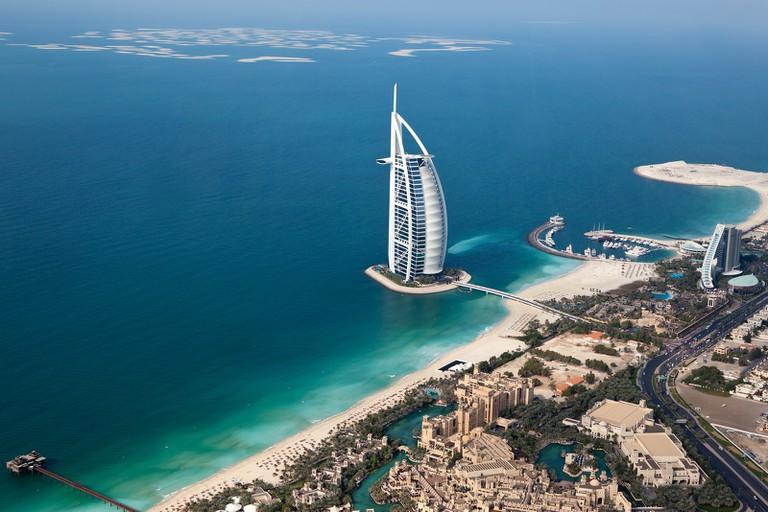 Dubai's famous Burj Al Arab | © Sam valadi/Flickr