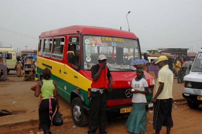 A trotro in bus in Ghanaiann national colours | © kashmut / Flickr