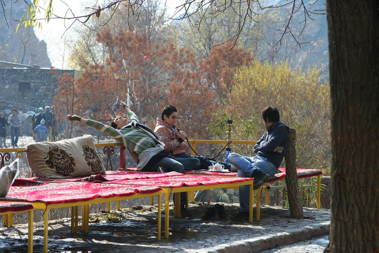 Iranians relax in Darband on the weekend | © Ninara / Flickr