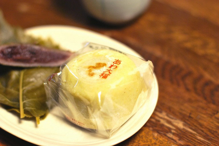 Mochi and wagashi made with sakura leaf and adzuki